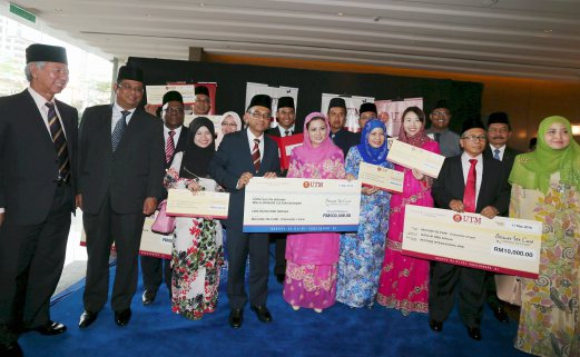 RAJA ZARITH SOFIAH / TABUNG 'WE CARE CHANCELLOR'S FUND' / JOHOR